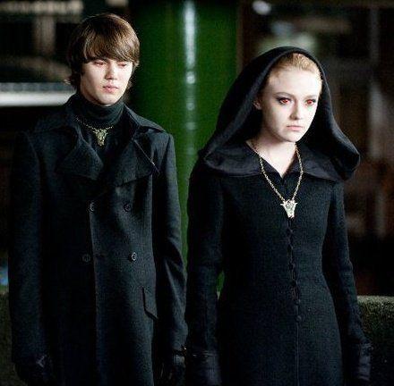 alec and jane volturi vampires in quottwilight saga