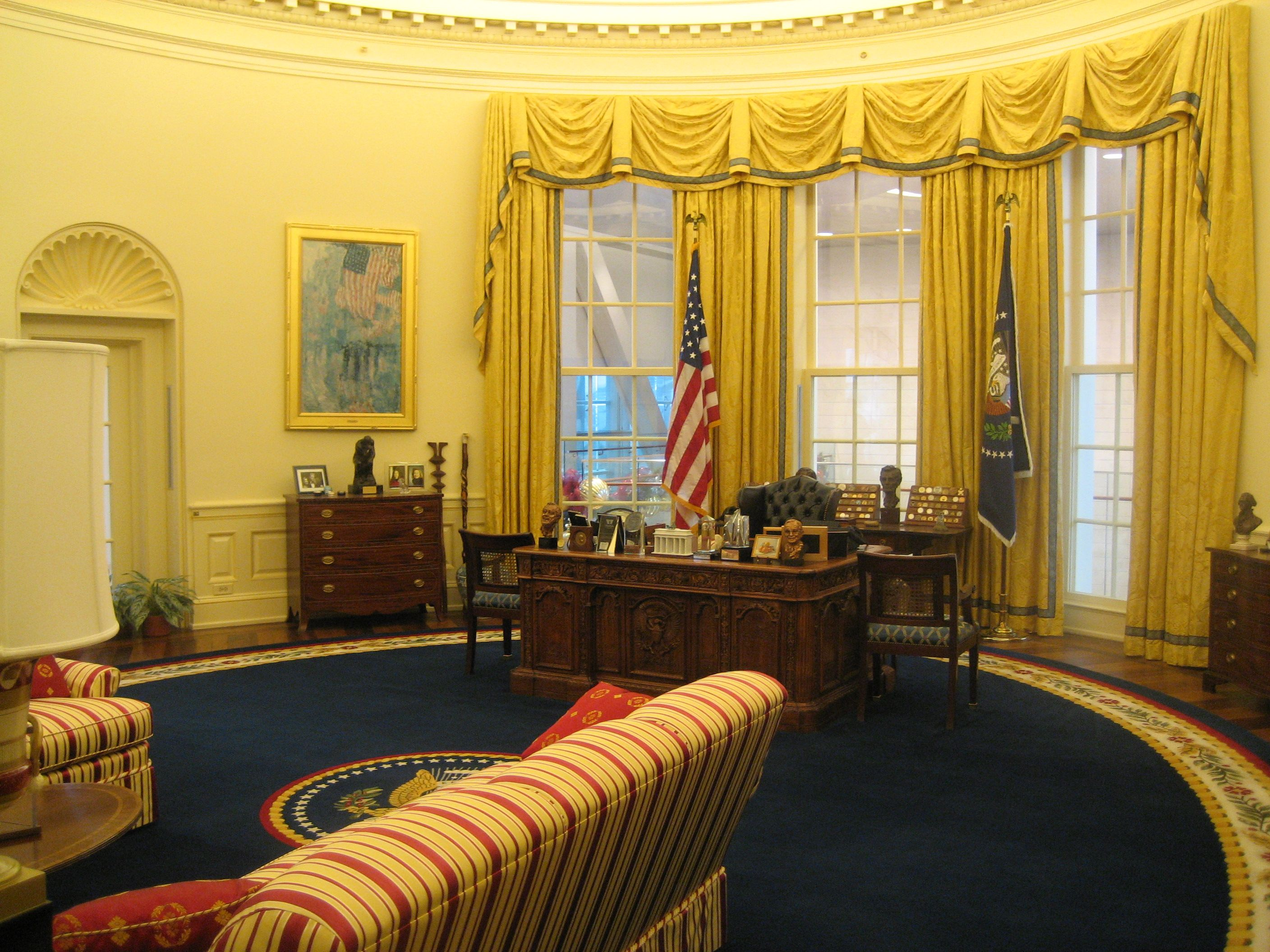 oval office picture. Oval Office - Clinton Presidential Library Picture