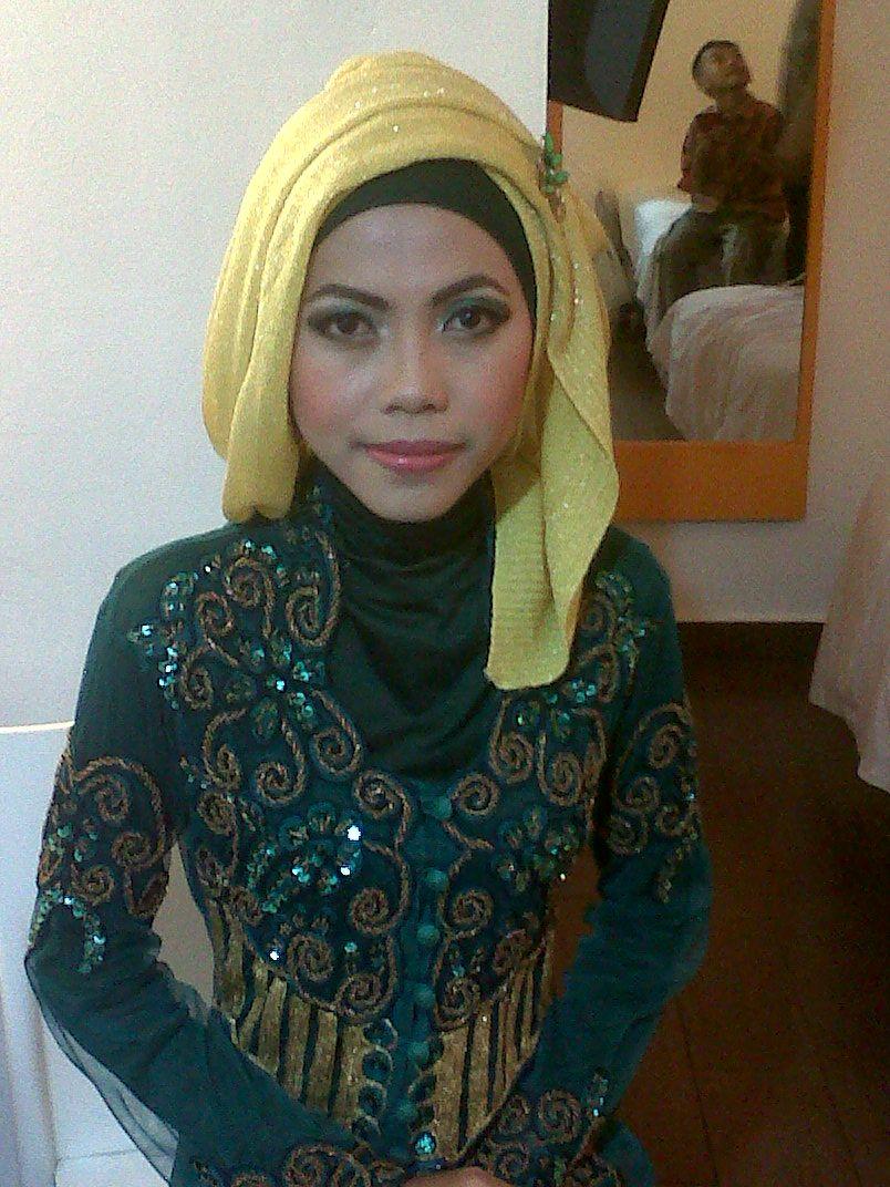 make up hijab wisuda Wisuda