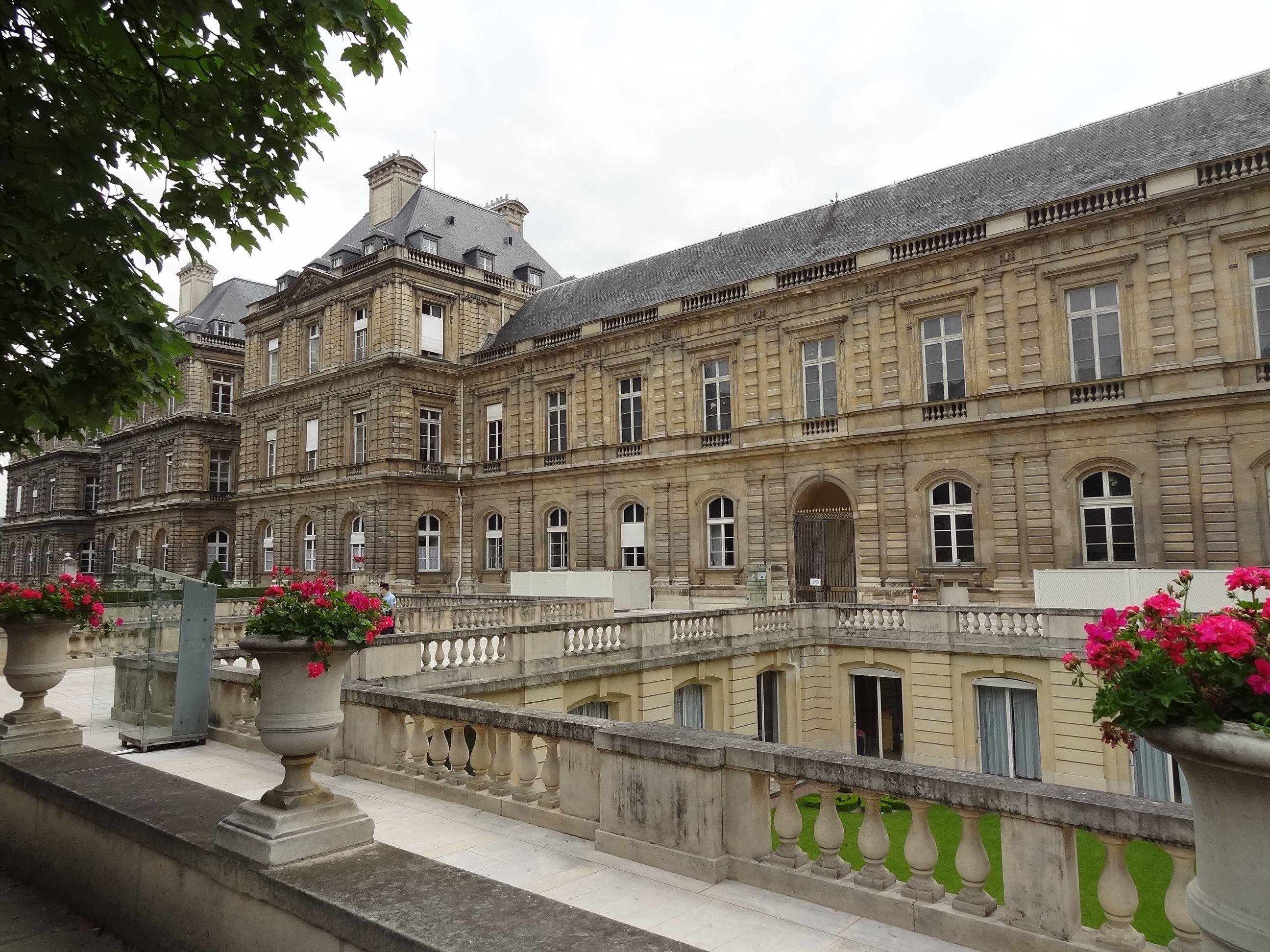 * Jardin du Luxembourg and Palais du Luxembourg, Paris