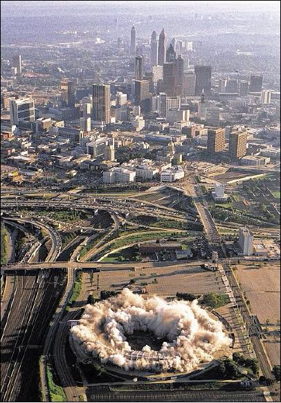 An Aerial View Of The Implosion Of Atlanta Fulton County Stadium On Aug 2 1997 The City Skyline Is In The Background J Georgia History Atlanta Georgia City
