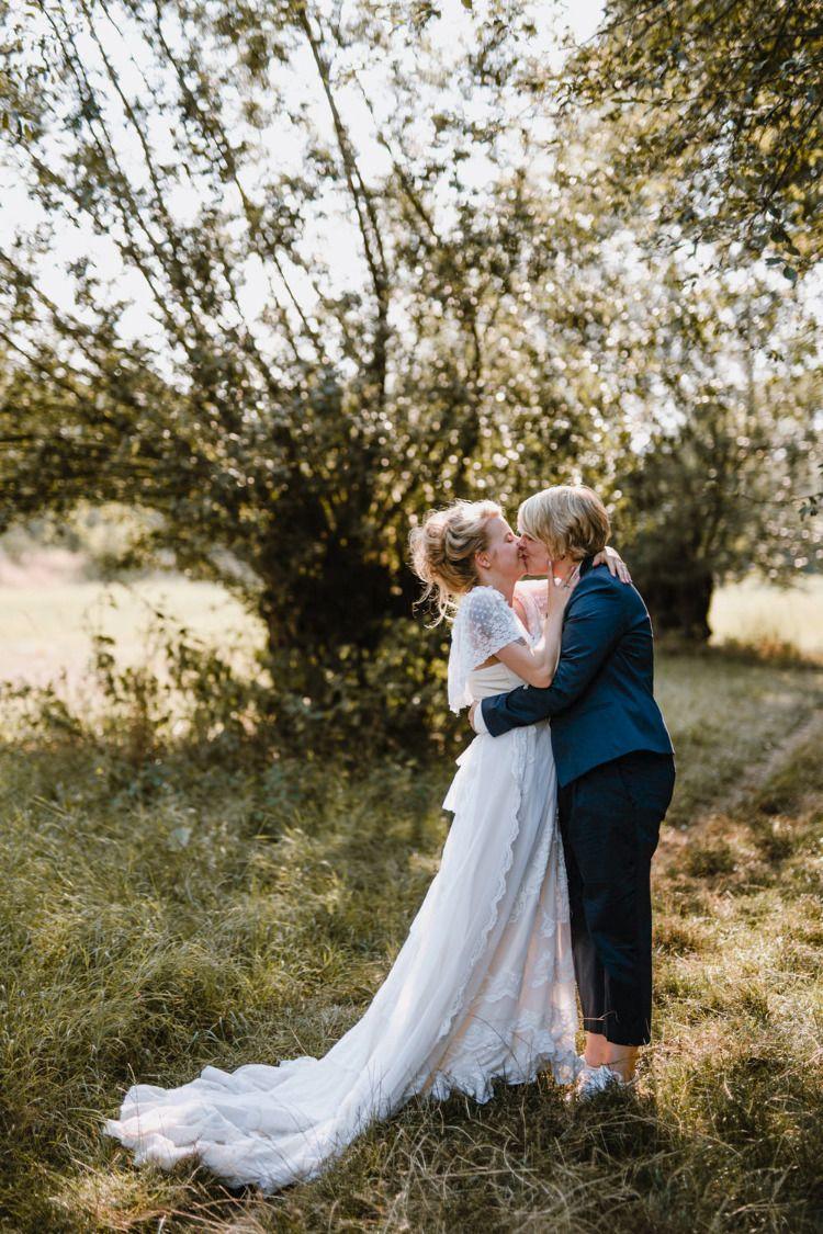 Boho Vintage Wiesenhochzeit Hochzeitsfotos Aus Leipzig Hochzeitsfotos Hochzeit Im Freien Hochzeit Draussen