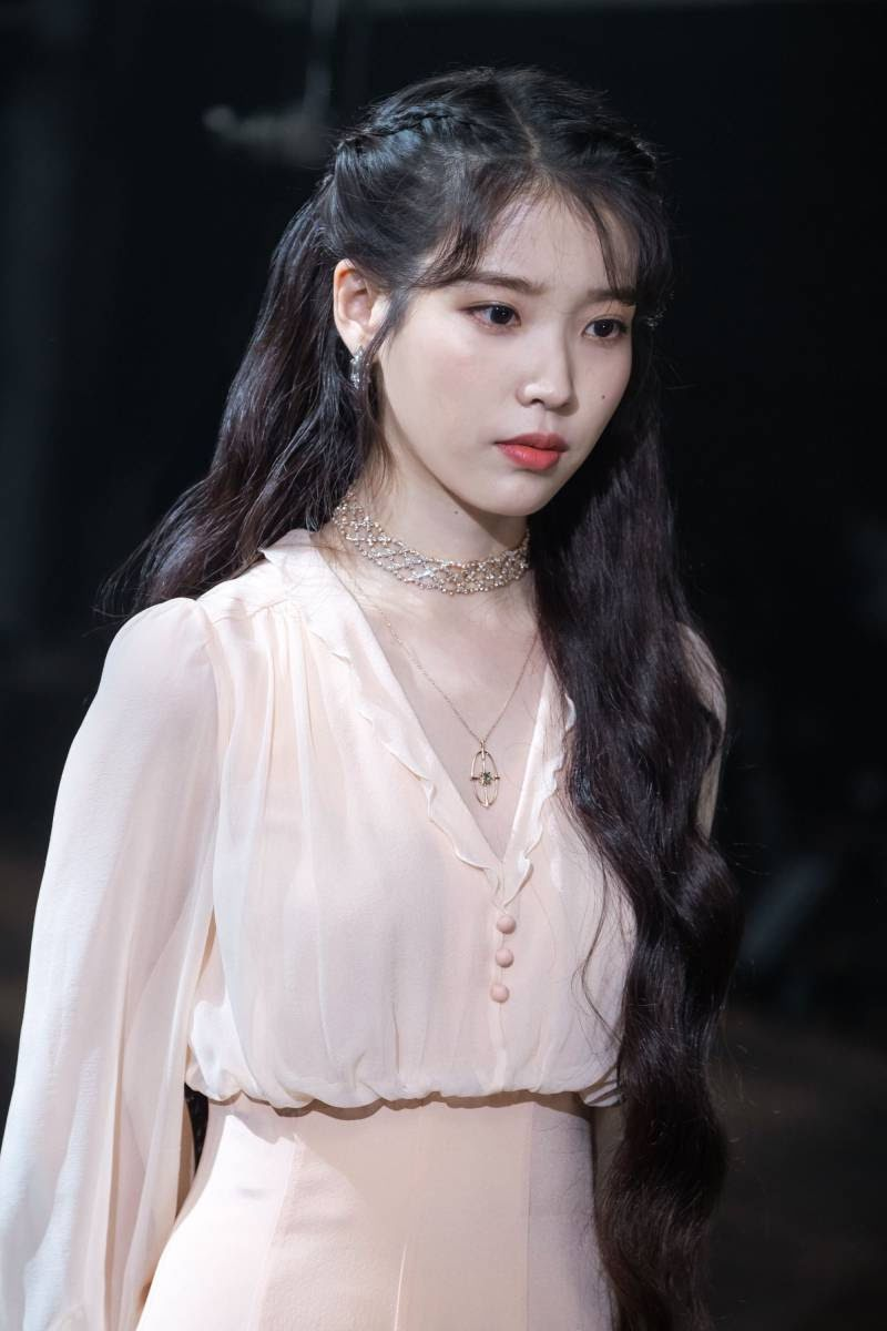Korean Netizens Voted On Who They Think The Most Charming And Lovable Female Lead Is Luna Fashion Ulzzang Girl Iu Fashion