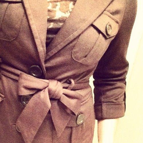 I got mad bow-tying skills, son! @VanillaInVogue #fashion