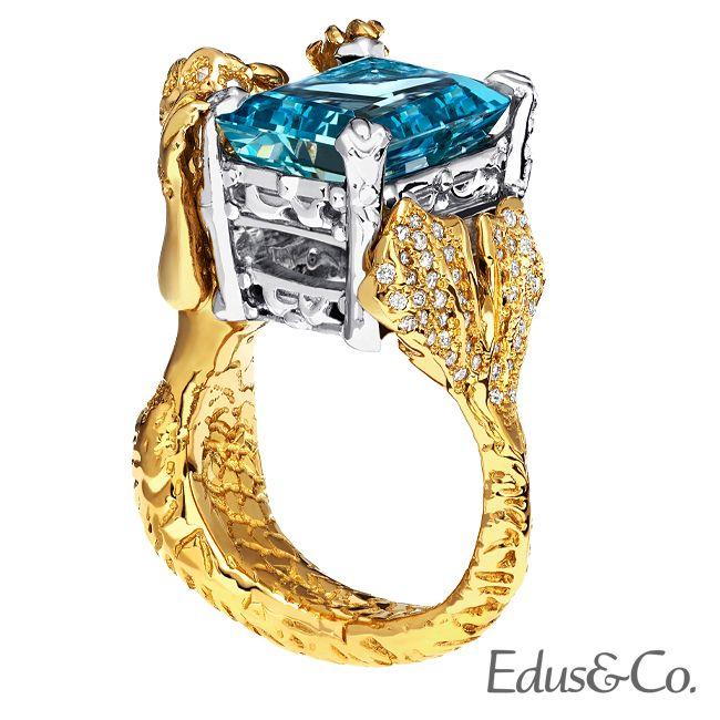A piece unique #ring #exclusive #jewelrygram #luxury #gem #aquamarine #blue #yellow #gold #platinum #mermaid #gorgeous #queen #sea #ocean #unique #art #piece #jeweler #designer #nyc #handmade #bespoke