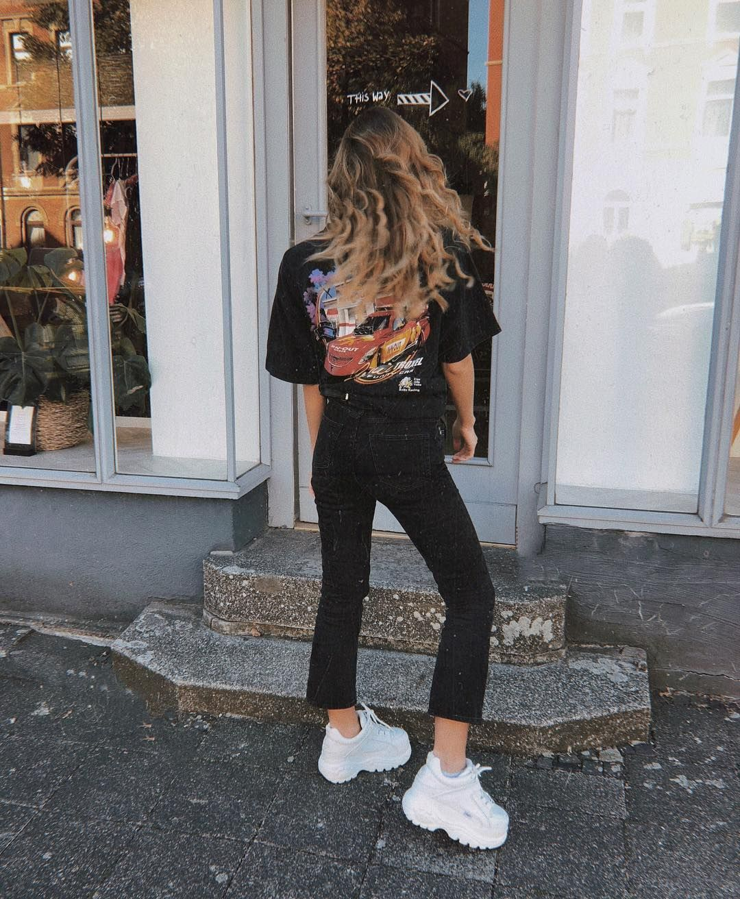 1339 Sneaker | Weiße schuhe outfit, Weiße turnschuhe outfit