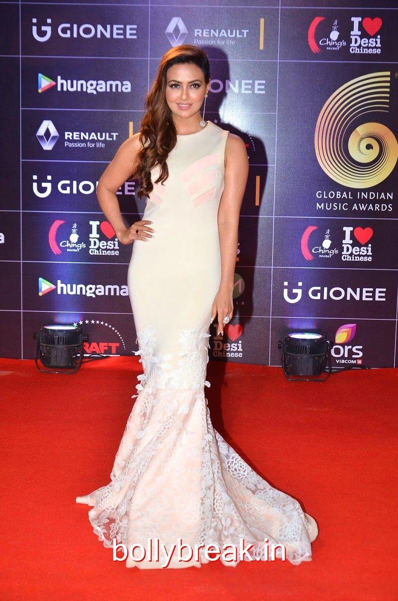 Sana Khan hot pics at GIIMA Awards 2016 HD Pics in 2020