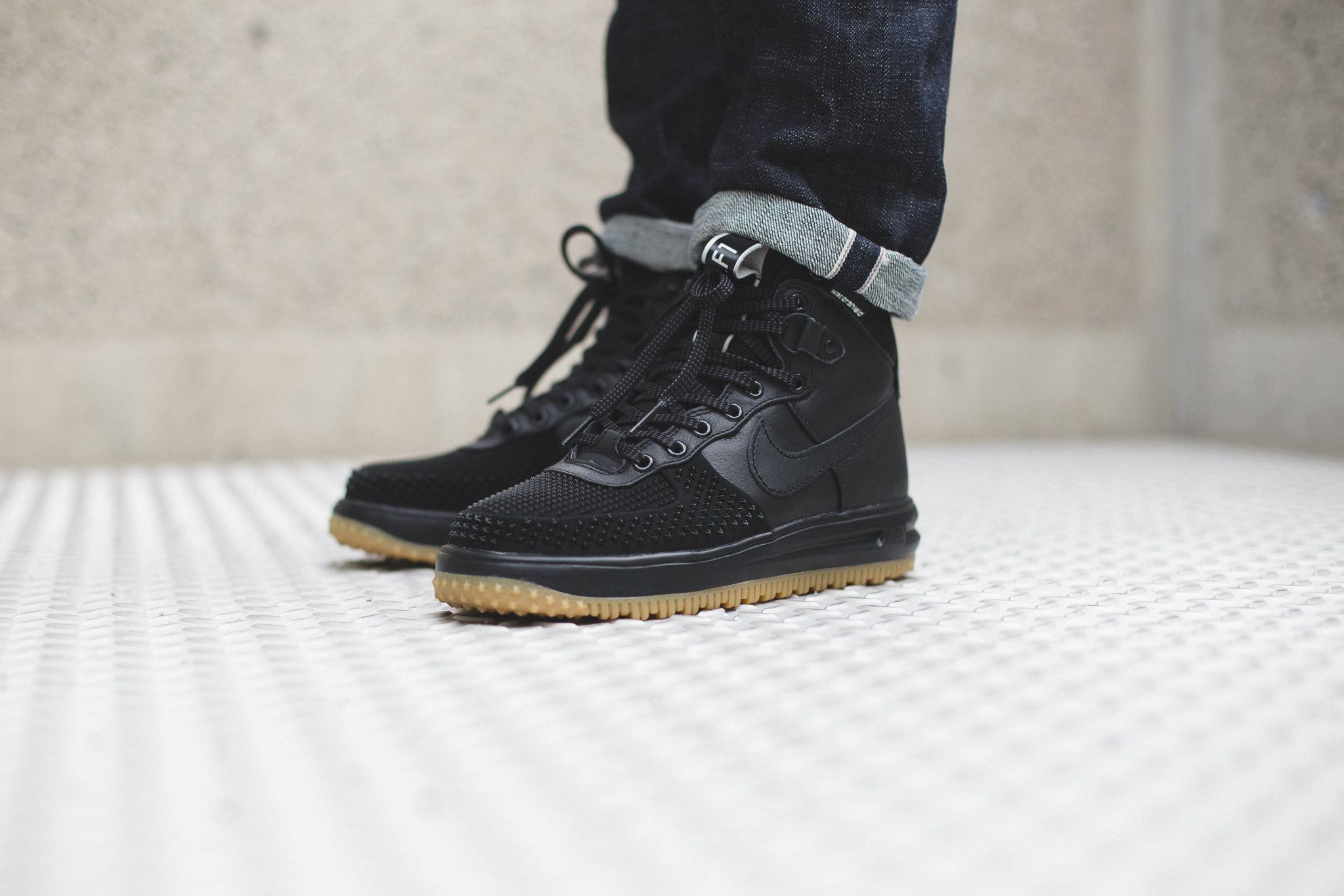 NIKE LUNAR FORCE 1 DUCKBOOT–BLACK-BLACK-METALLIC SILVER-ANTHRACITE-1