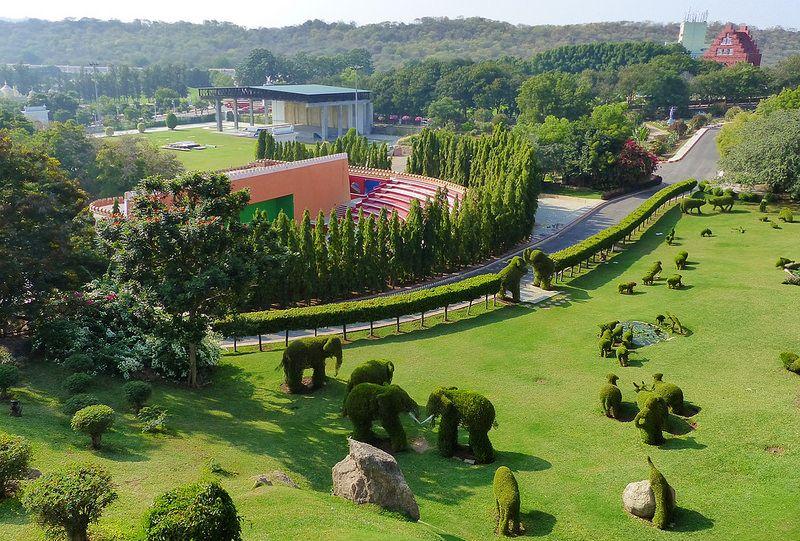 Ramoji Film City City, Golf courses, Field