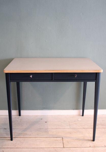 wundersch n restaurierter 20er jahre schreibtisch von stattfein auf stattfein. Black Bedroom Furniture Sets. Home Design Ideas
