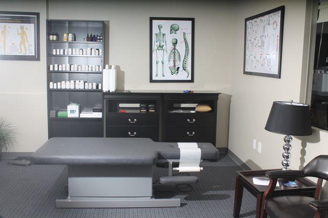 Pin By Cornerstonehealth On Dr Stuff Chiropractic Office Design Doctor Office Design Doctors Office Decor