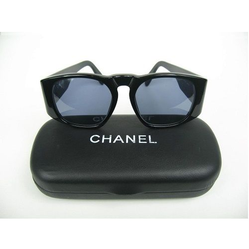 """Chanel Vintage Matelasse CC Logo SunglassesAs Seen On Lady GagaBlack FramesStyle: 01450 94305Measurement across front is about 5 1/4"""". Length of arm (from hinge) is approximately 5"""". Lenses measures approx. 1 7/8""""L x 1 3/4""""H.Case IncludedNo Major Flaws To MentionNo scratches or scuffs Excellent conditionAvailable for Delivery in 2nd Week In May"""