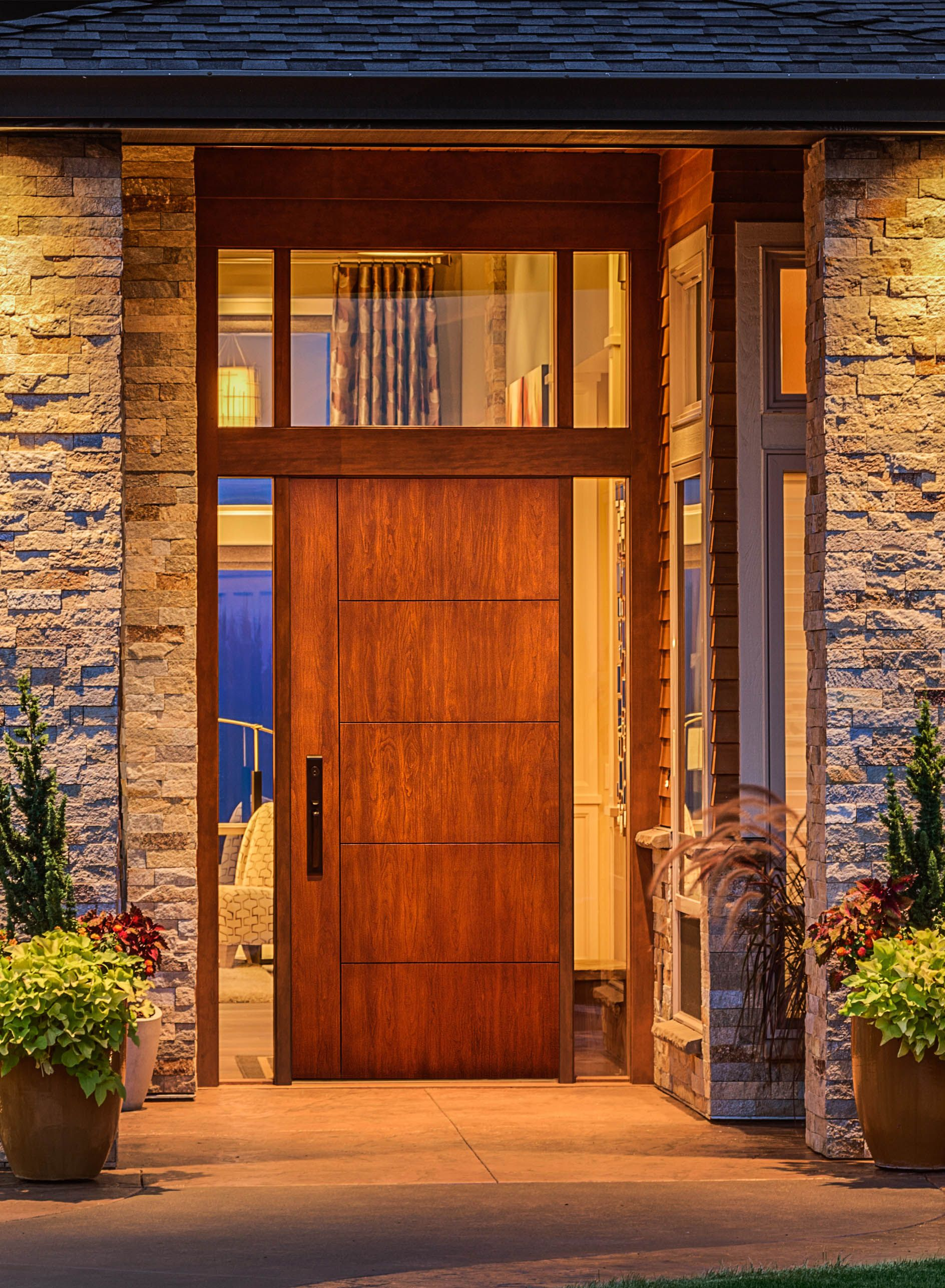 beauty shot of c501 fiberglass door mastergrain premium fiberglass