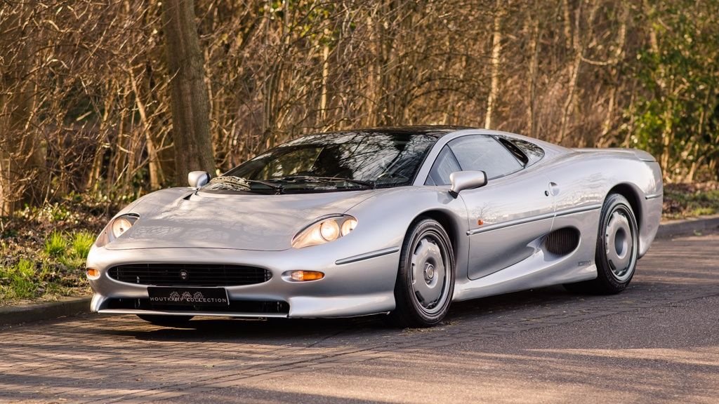 1992 Jaguar XJ220 - One of only 285 examples made   Classic Driver Market