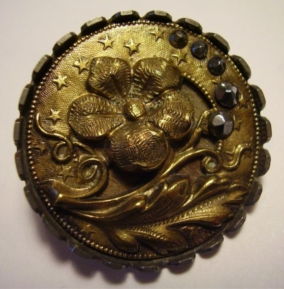 Gorgeous selection of Pearl and Metal buttons made in Birmingham between 1780 and 1820 collected by James Luckcock. Description from pinterest.com. I searched for this on bing.com/images