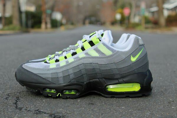 Nike Air Max 95 OG Neon New Detailed Pictures | Nike air max ...