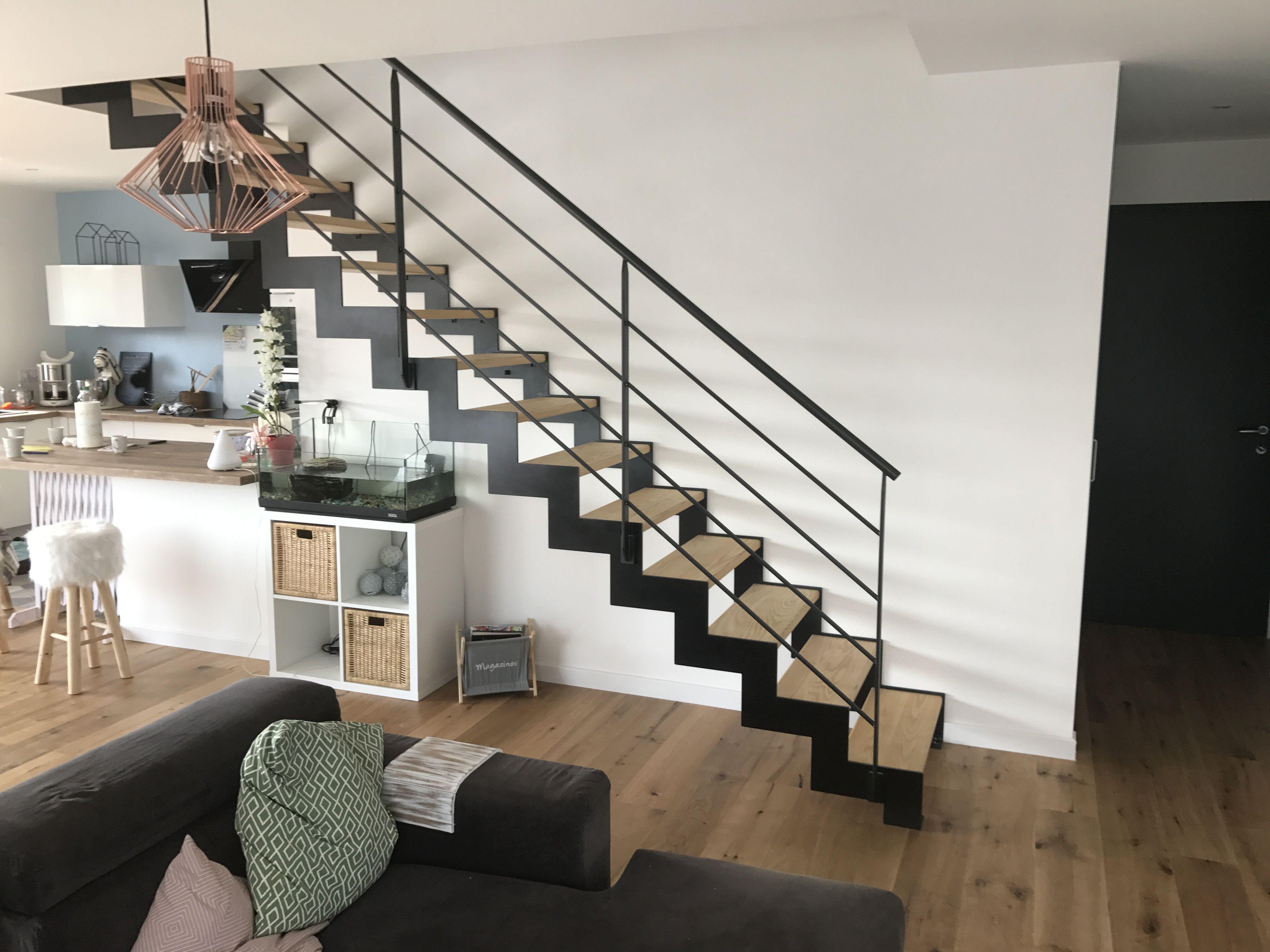 escalier droit marches bois escalier en 2019 escaliers. Black Bedroom Furniture Sets. Home Design Ideas