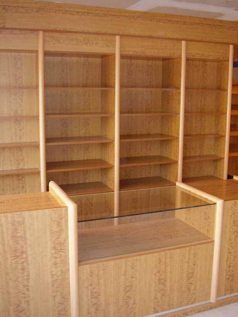 Proyectos en dise o de tiendas muebles para comercios for Muebles para papeleria