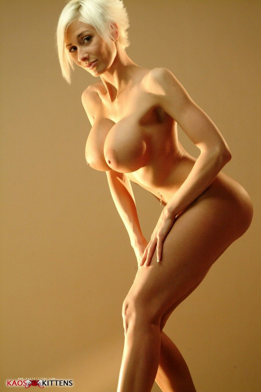 bourbannais nude Mc