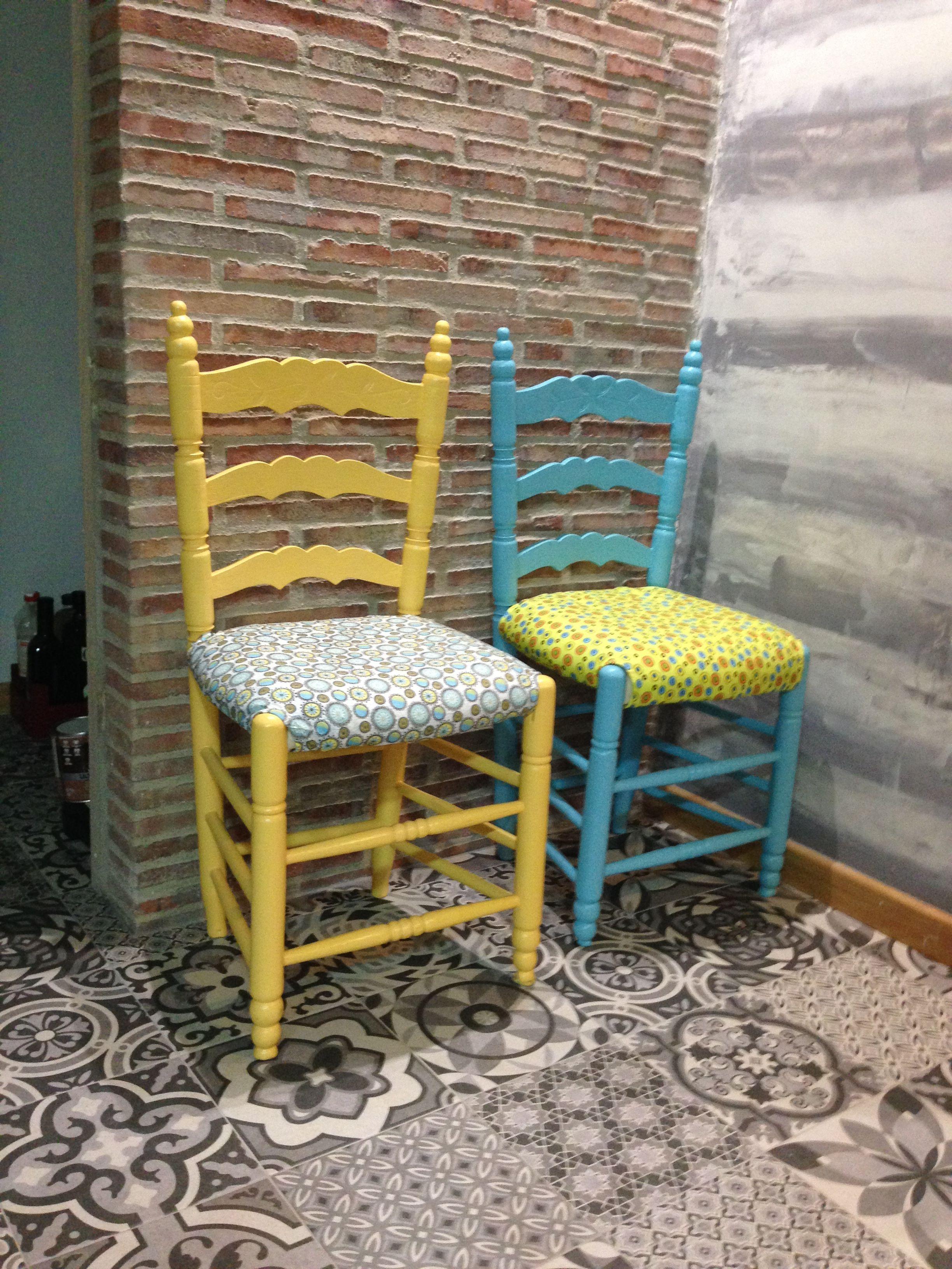 Eran unas sillas de enea viejas y as quedaron tunear for Muebles etxeberria