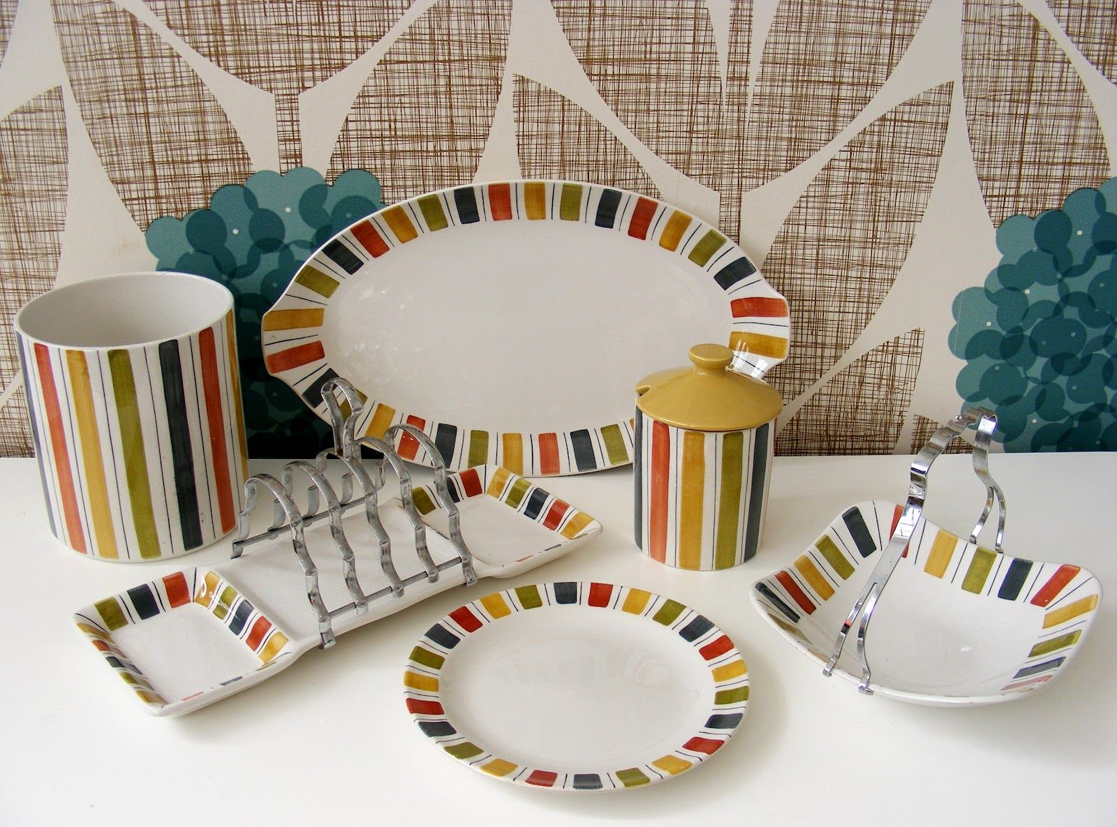 mexicana in front of orla kiely. heaven & mexicana in front of orla kiely. heaven | Dinnerware sets ...