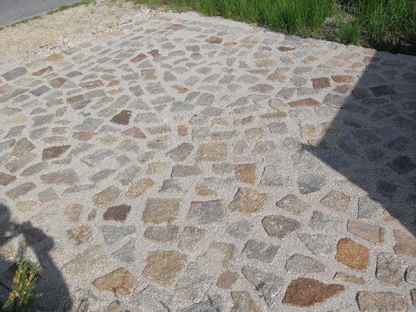 natursteinpflaster granit bunt auffahrt und carport. Black Bedroom Furniture Sets. Home Design Ideas
