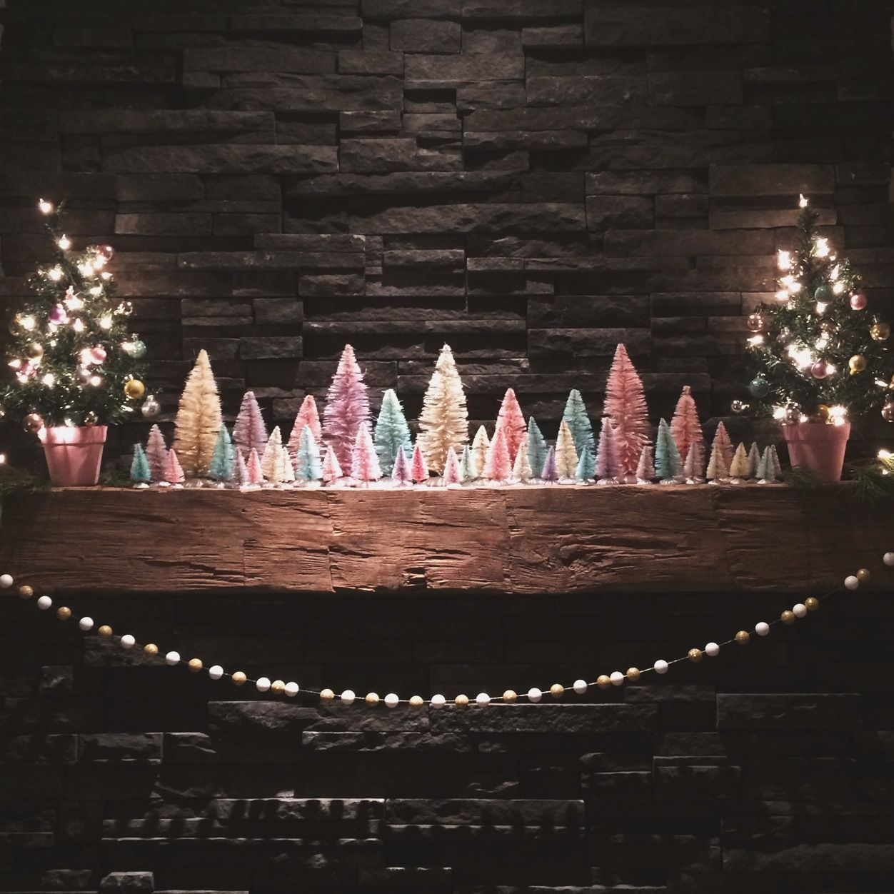 Diy Bottle Brush Christmas Tree Mantle Display Glitter The Girls Bottle Brush Christmas Trees Diy Bottle Christmas