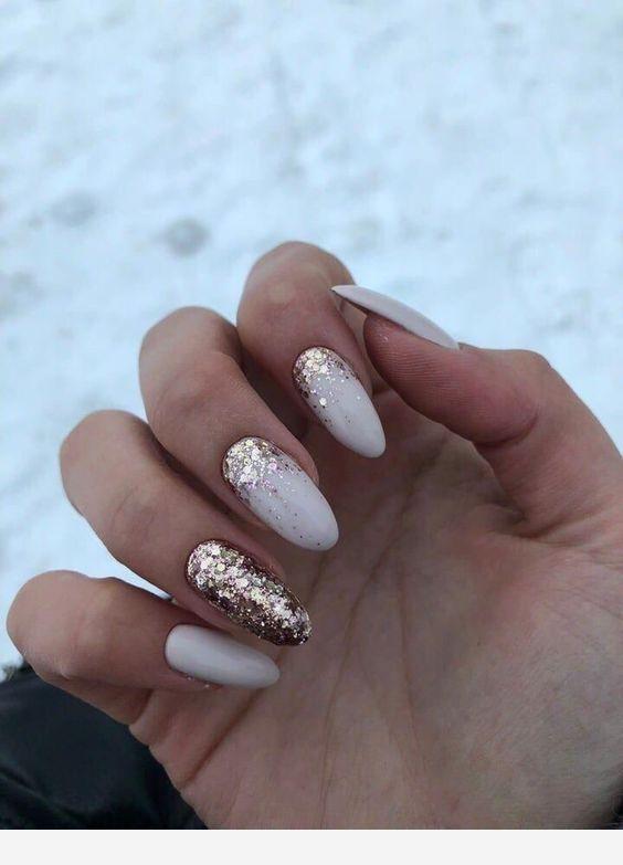 Gold And White Medium Nails Stylish Nails Perfect Nails Manicure