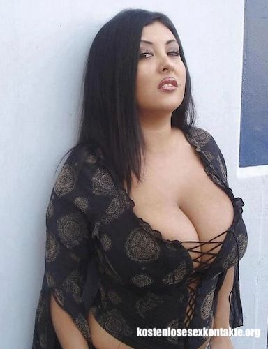 Milf fat woman and massage boobs