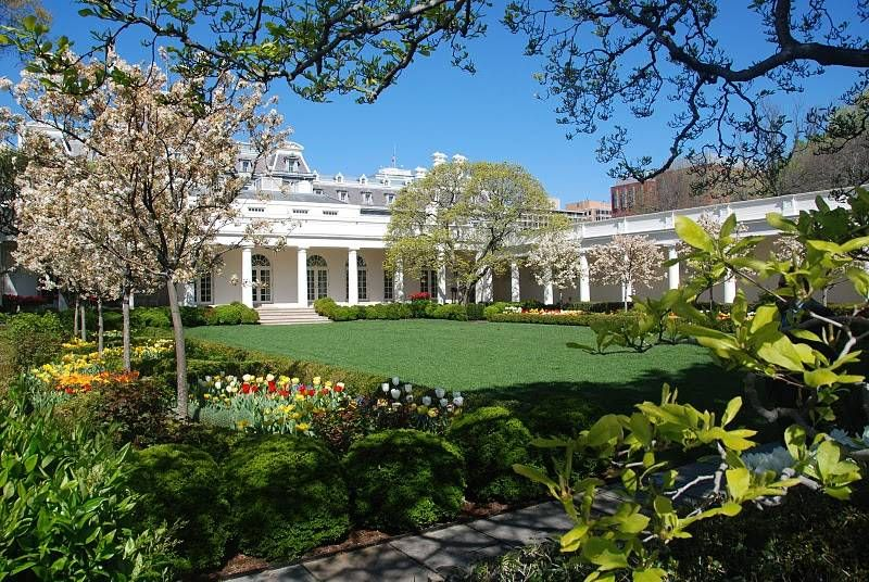 See Photos and Learn About the White House Gardens | White house garden, White house,  Garden tours