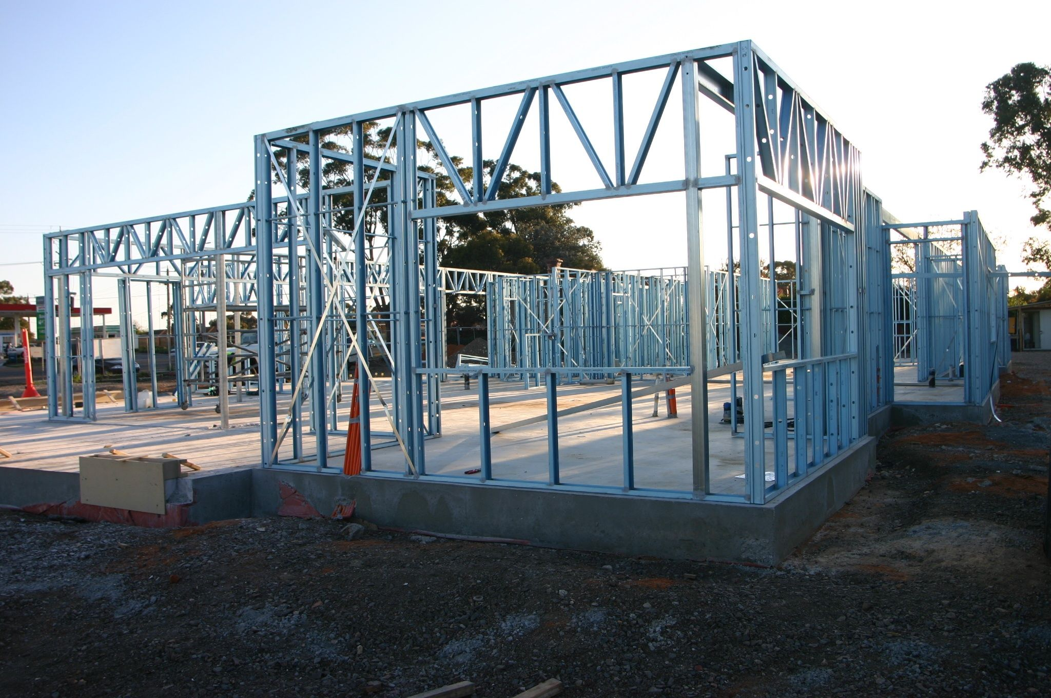 steel-kit-homes-large.jpg (2048×1360)   Detalles - Construcción ...