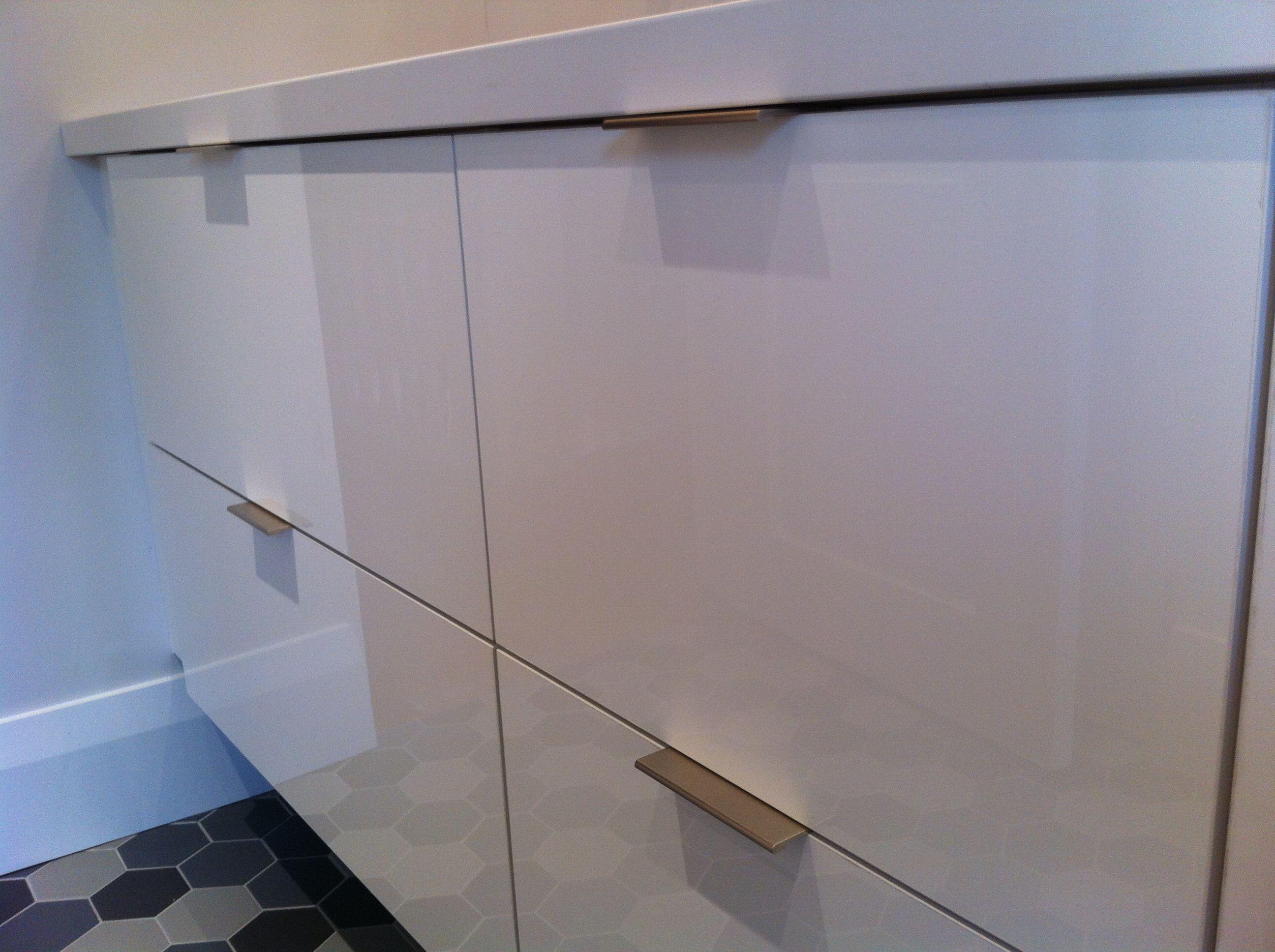 AYA Cabinets, High Gloss in White