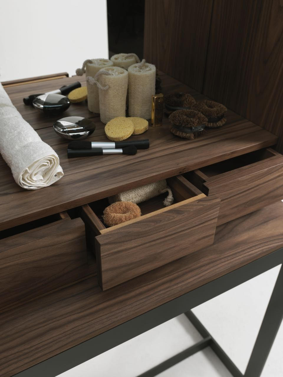 Walnut dressing table FLY VANITY by Riva 1920 | design Giuliano Cappelletti, gabriele cappelletti
