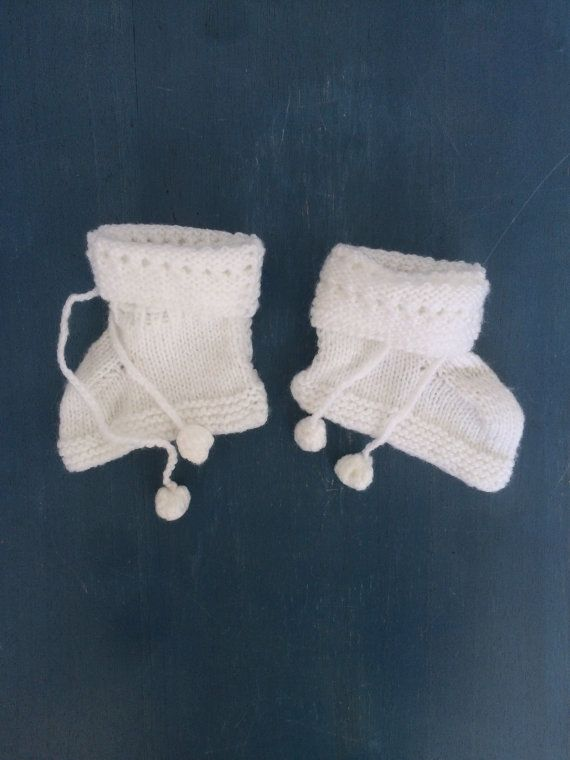 70caffa3b Scandinavian Vintage Knitted Baby Boots with Pom Poms 3-12 months ...