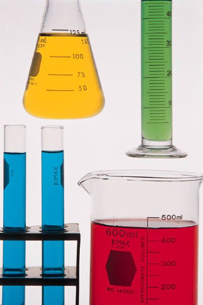 Lots of science experiments you can do at home with your kids, from preschool to elementary.