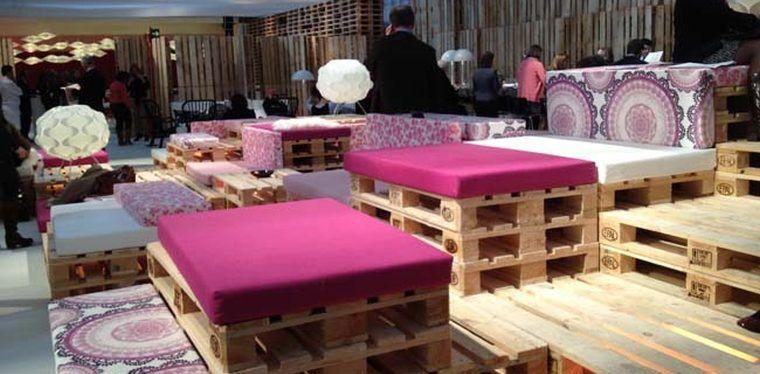 Slavip arco palets dekor pastel sala vip reciclaje de for Decoracion de casas con objetos reciclados
