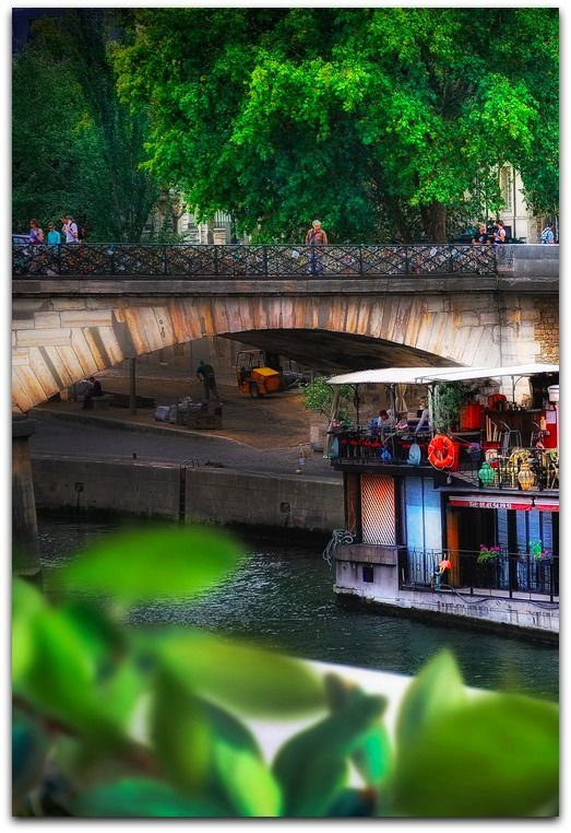 Walk along the Seine River, Paris by Viktor Korostynski on Fivehundredpx, http://500px.com/photo/20351037