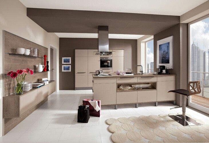 Weiße Küche Dunkle Arbeitsplatte Heller Boden Kitchens