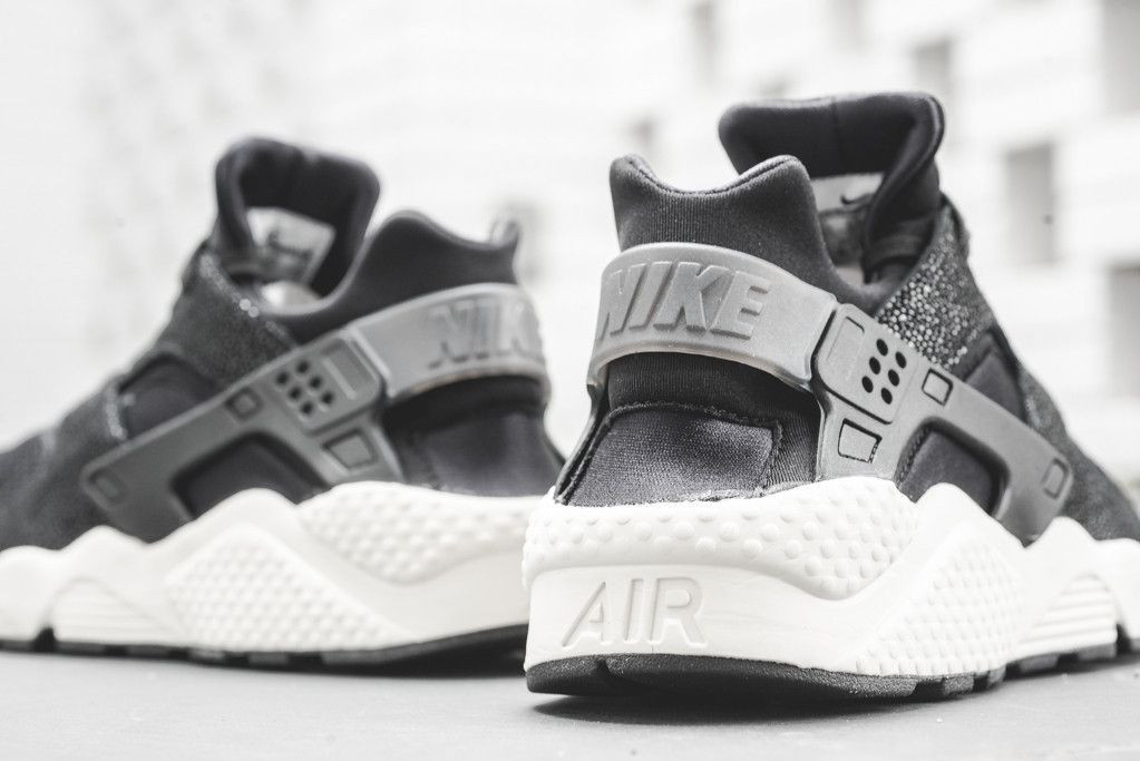 Nike Air Huarache Run PA 'Stingray Pack' Sneaker Politics CAN