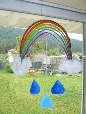 arc en ciel suspendu pour les enfants activit. Black Bedroom Furniture Sets. Home Design Ideas