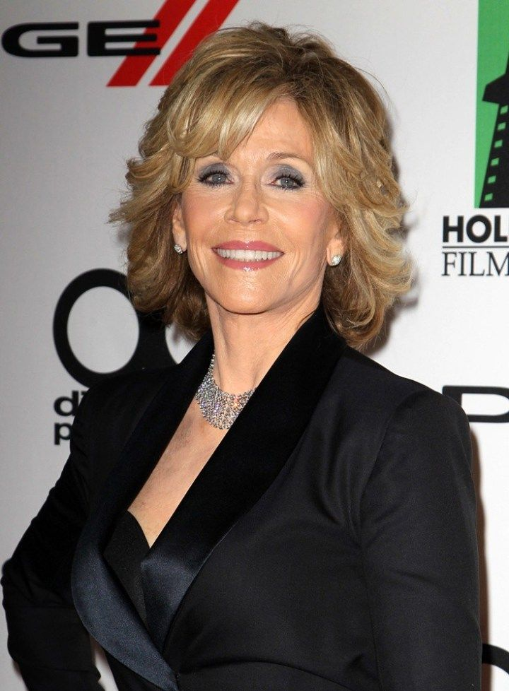 30 best jane fonda hairstyles hairstyles coiffure. Black Bedroom Furniture Sets. Home Design Ideas