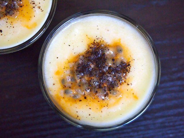 Wellberries / Keväinen chiavanukas kurkumalla