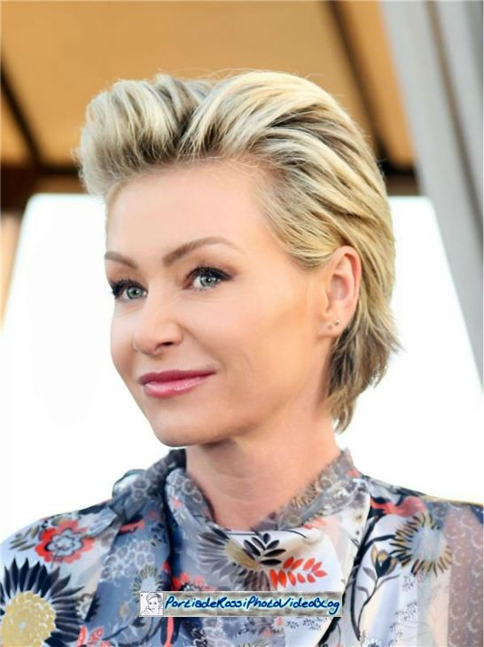 Portia De Rossi Short Wavy Hair Portia De Rossi Short Hair Celebrity Hair Inspiration
