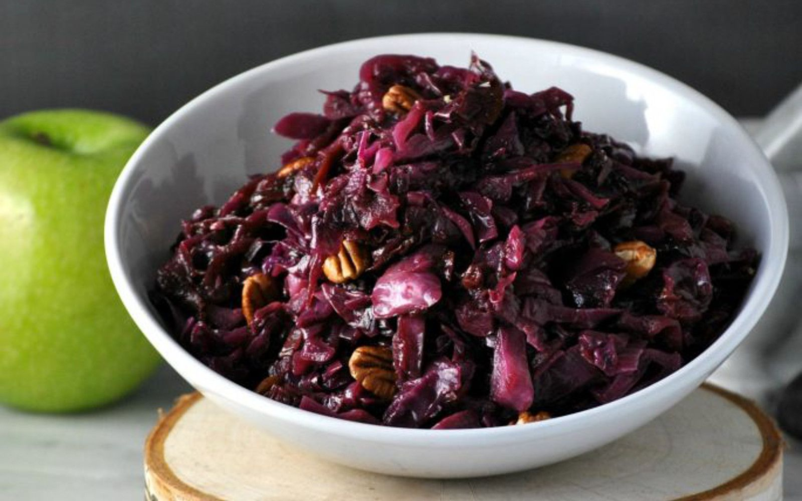 Braised Red Cabbage With Apples And Pecans Vegan Grain Free One Green Planetone Green Planet Braised Red Cabbage Red Cabbage With Apples Cabbage Recipes
