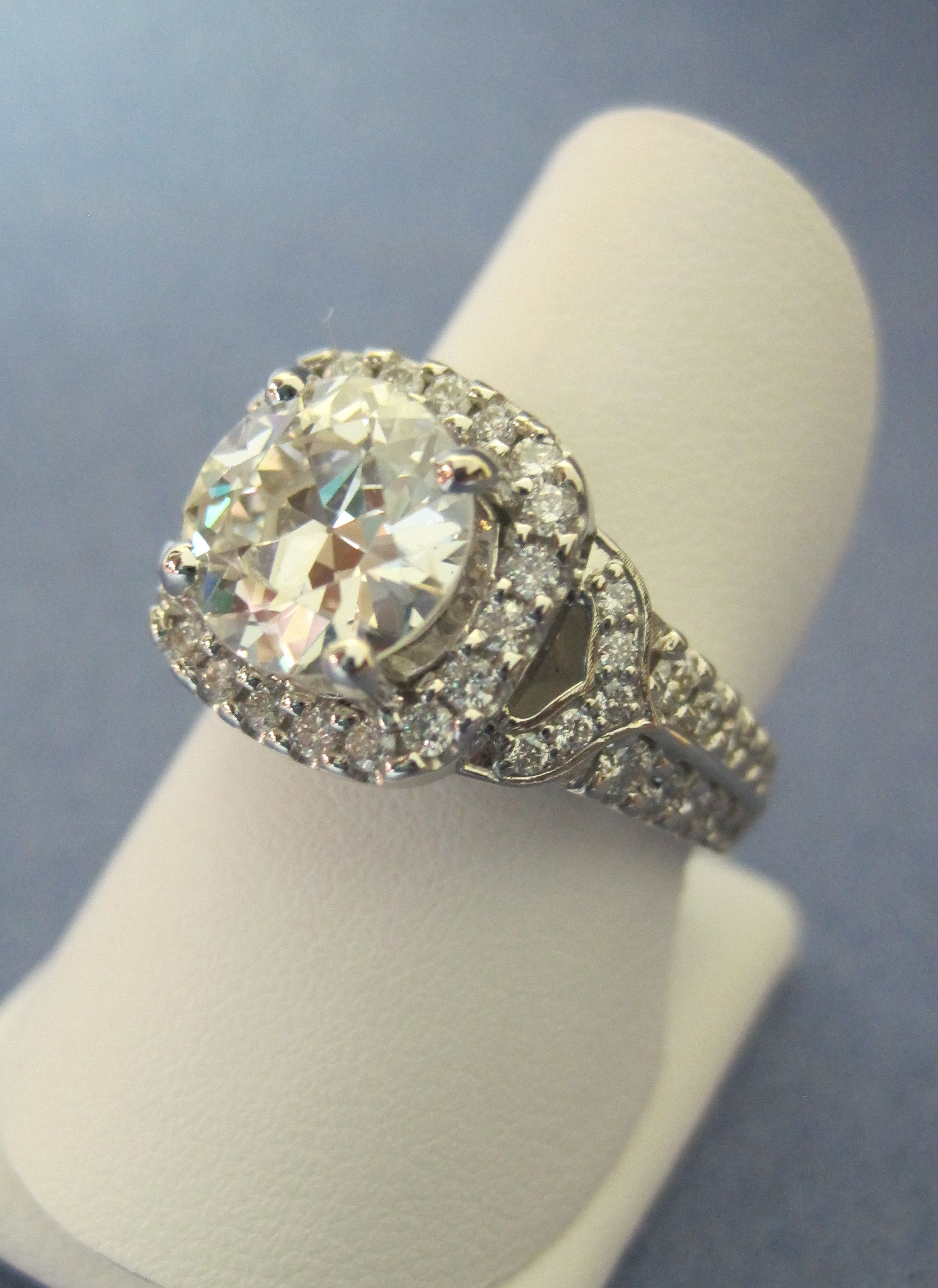 Custommade diamond engagement ring nsenjewelers