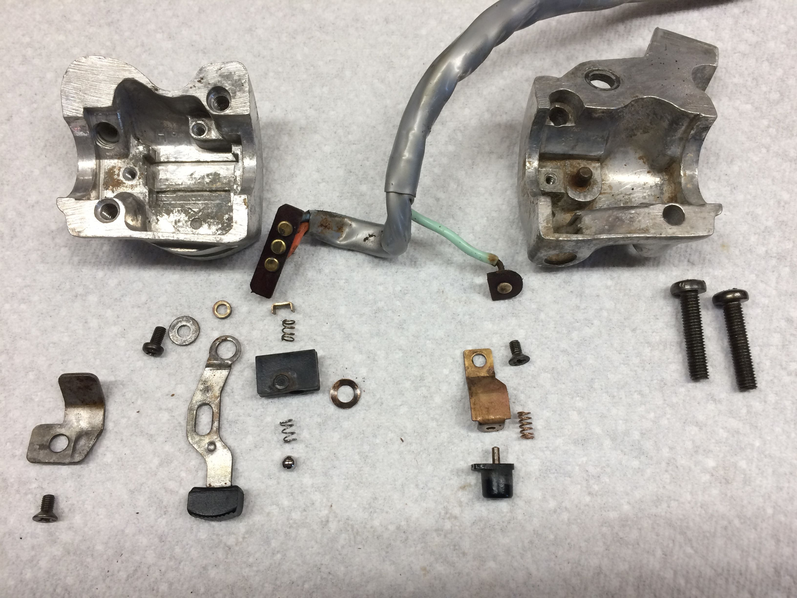 reassembling a honda ct90 horn and turn signal switch assembly may look difficult but it really isn t all that bad and i have provided detailed  [ 3264 x 2448 Pixel ]
