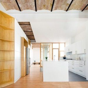 Cavaa+Arquitectes+exposes+vaulted+ceiling+inside+revamped+Barcelona+apartment
