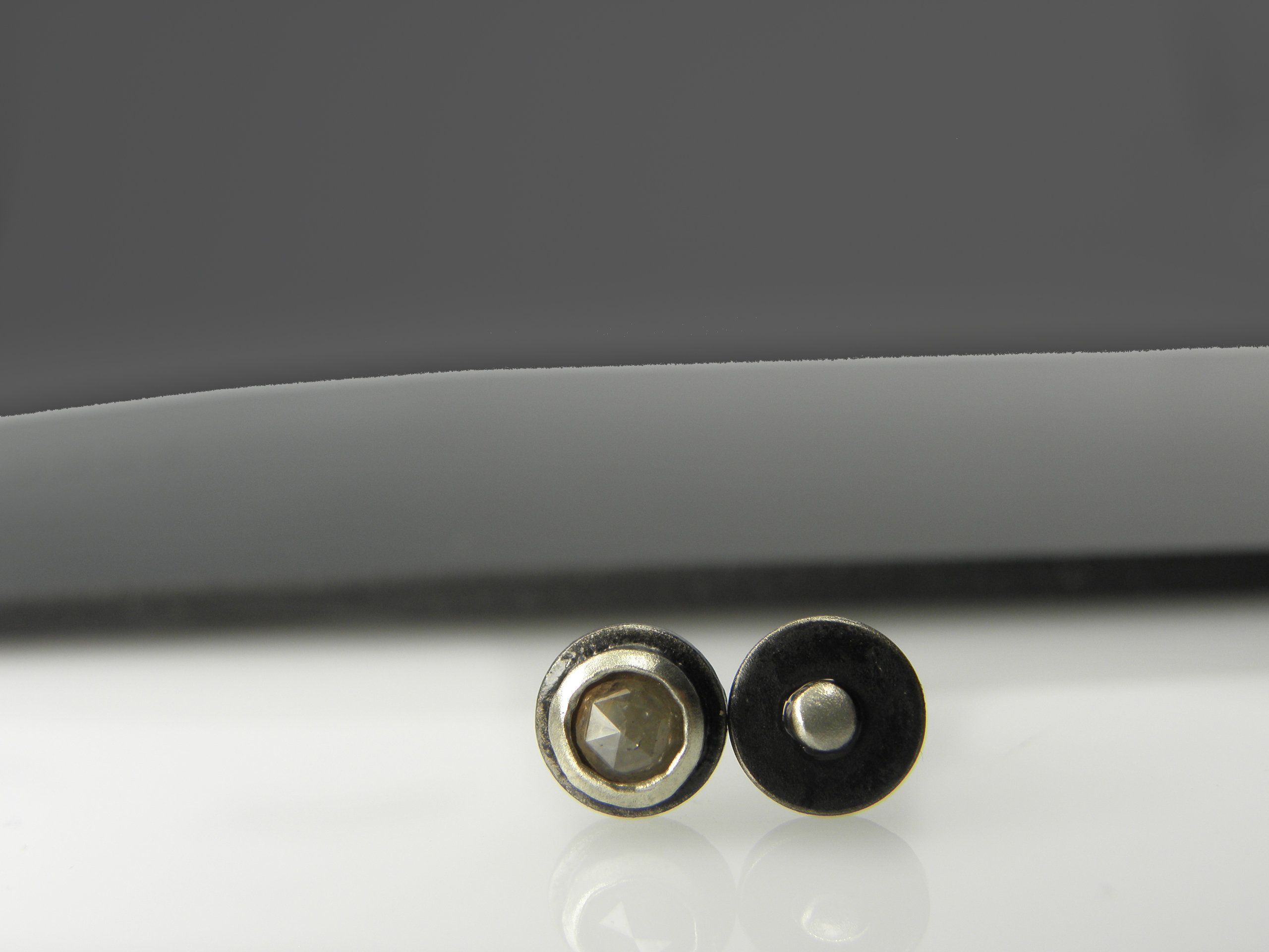 616d4d92c Vesna Kolobaric by VESNAmanJEWELRY - 6 mm UNIQUE mismatched  #diamondearrings , raw faceted light #