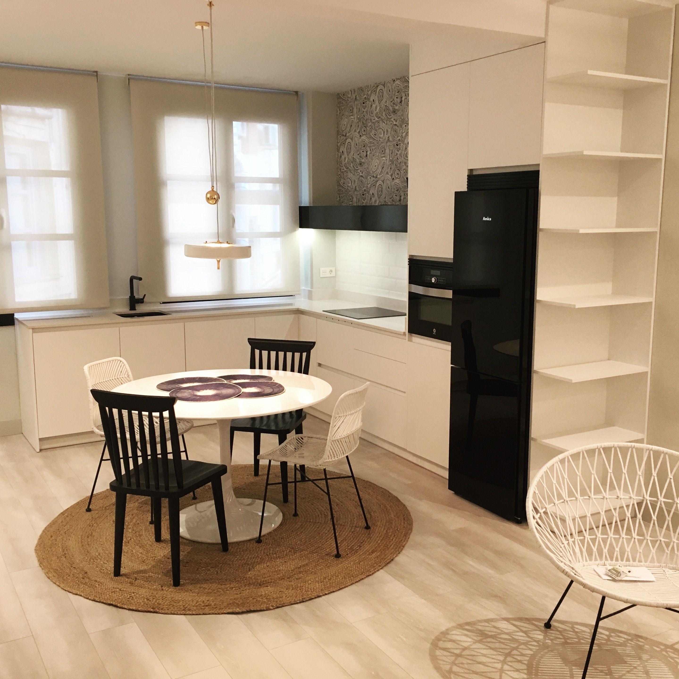 Pin De Dor Th A Nimf En Magi Pinterest Cocina Blanca Sal N Y  ~ Muebles De Salon Blanco Y Negro