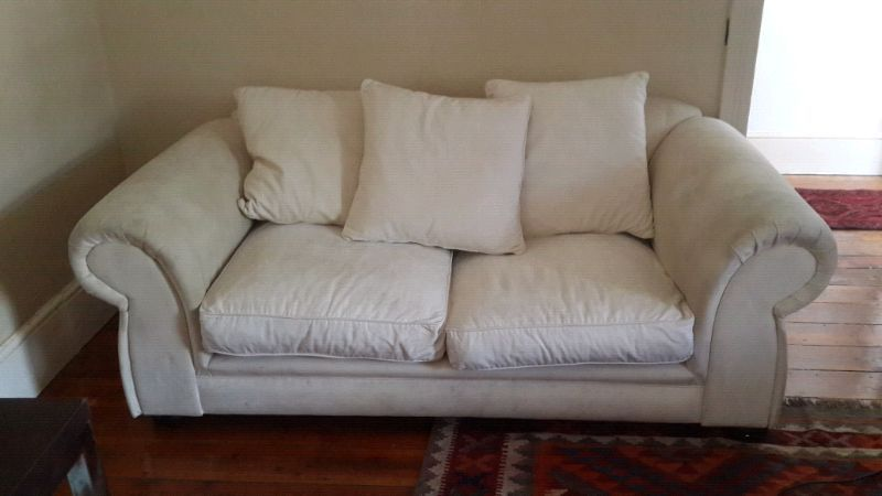White 2 Seater Couch Sofa Sofa Couch Couch Couches For Sale